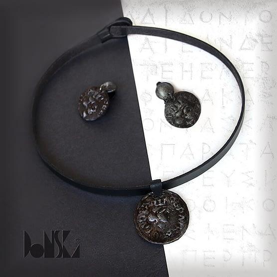 black-silver-necklet